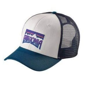 Patagonia logo patch trucker hat NWT